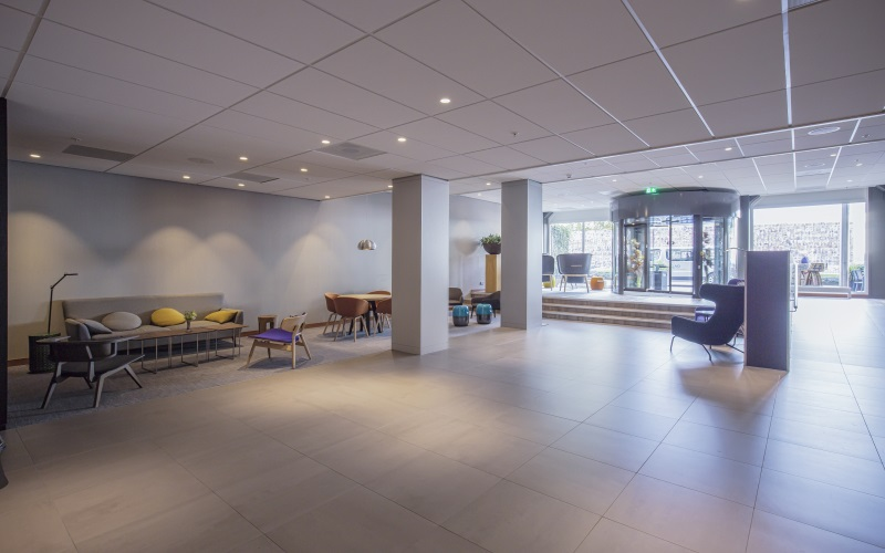 https://www.vogelsprojecten.nl/wp-content/uploads/2017/10/Mercure-hotel-in-Tilburg-12-slider-3.jpg