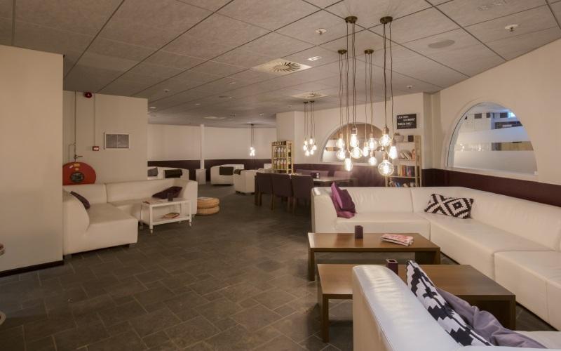 https://www.vogelsprojecten.nl/wp-content/uploads/2017/10/Mercure-hotel-in-Tilburg-2-slider-3.jpg